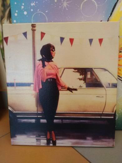 Д. Веттриано «Девушка у машины» обычная натяжка 40,2х35,5 см - П260