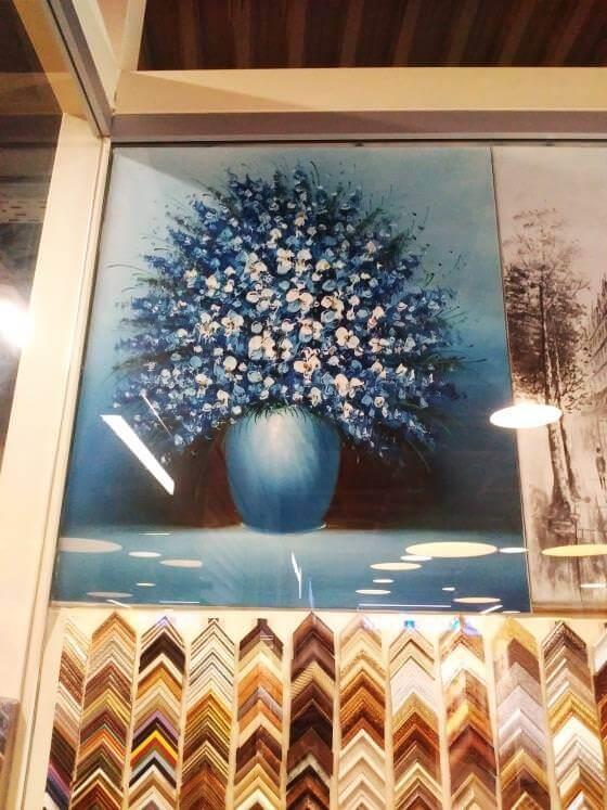 Картина «Букет в вазе на голубом фоне» 62х53 см - Щ250